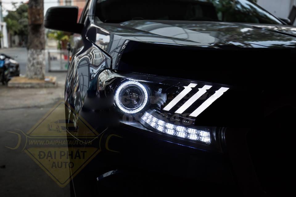 Mẫu độ đèn xe Ford Ranger siêu đẹp