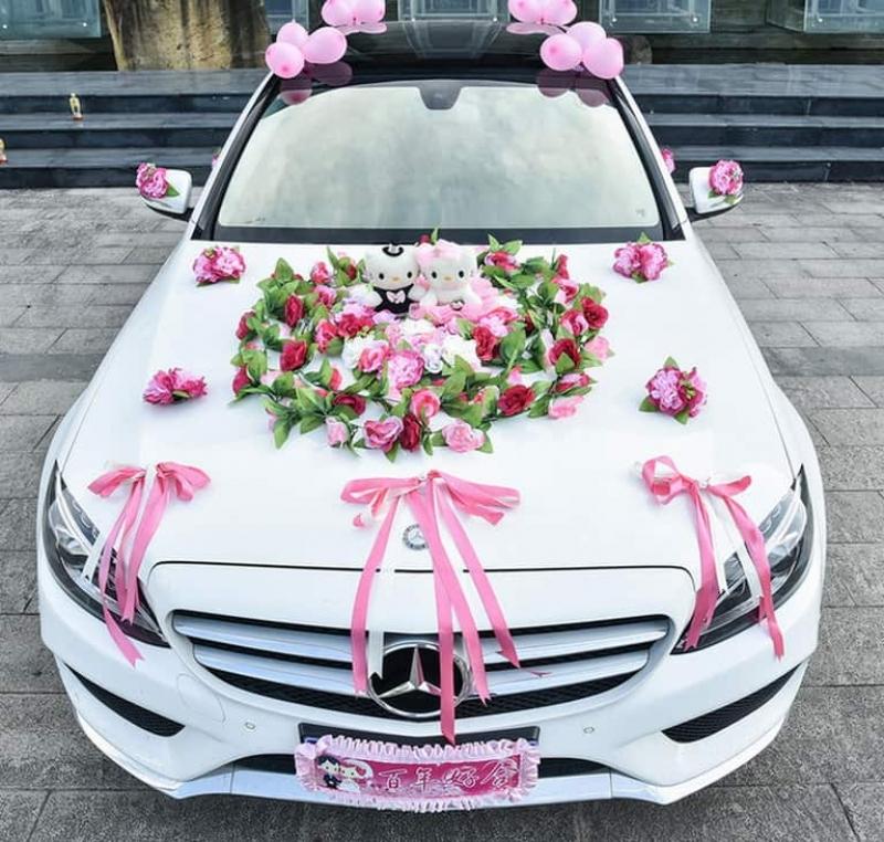 Hình thức trang trí xe hoa đám cưới