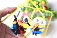 silicon iphone 4 MINIONS chớp mắt có dây đeo